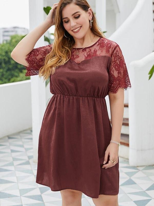 Plus Size Lace-panelled Short-sleeved Mini Dress - Burgundy 4XL