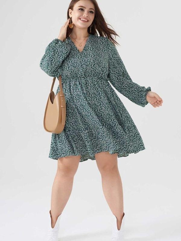 Plus Size Green Ditsy V-neck Long Sleeve Mini Dress - Dark Green L