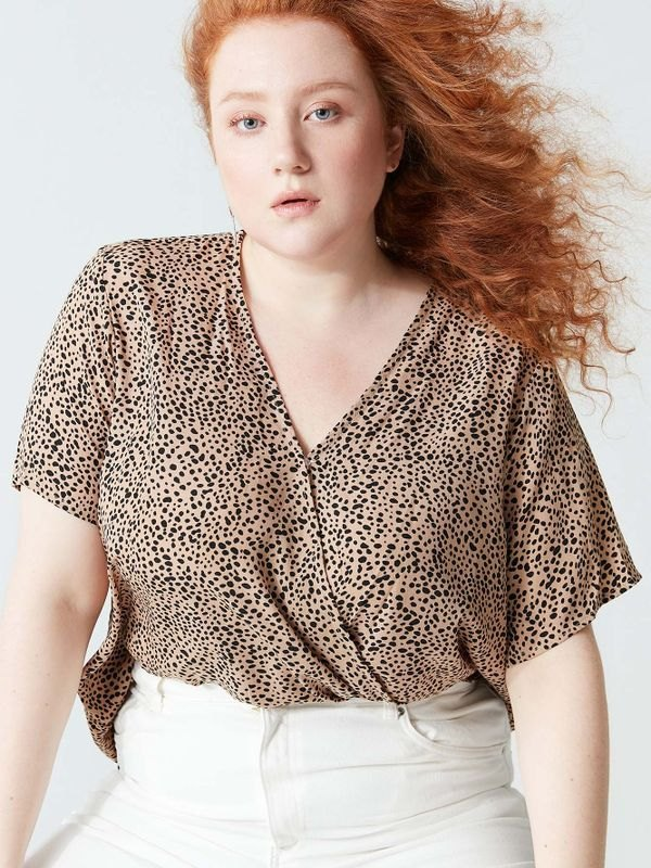 Plus Size Cheetah V-neck Short Sleeve Wrap Top - Khaki 4XL