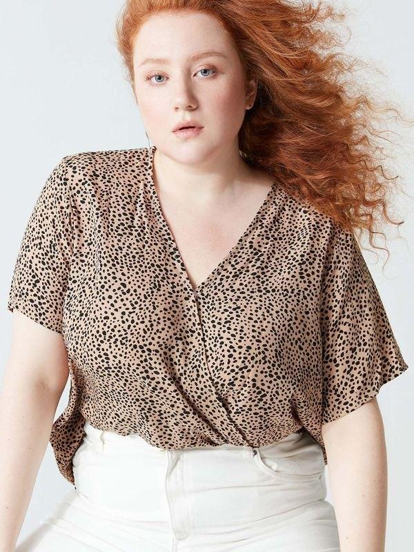 Plus Size Cheetah V-neck Short Sleeve Wrap Top - Khaki 2XL